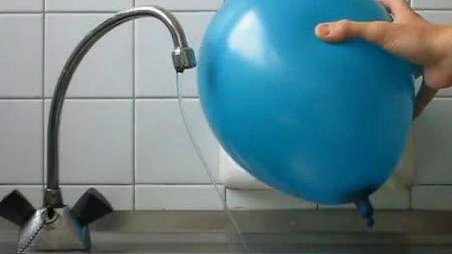 воздушный шарик в роди магнита
