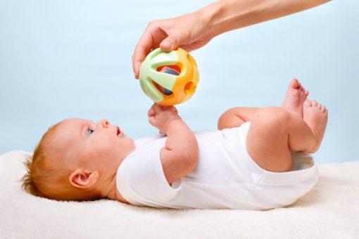 пинцетный захват у ребенка