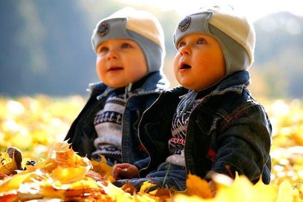 особенности близнецов в общении
