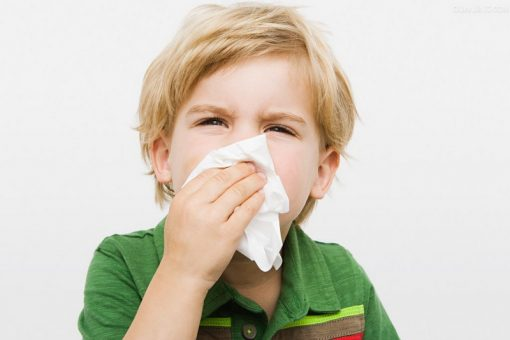 насморк у ребенка, как лечить народными средствами