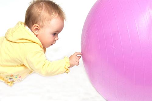 фитбол для малышей