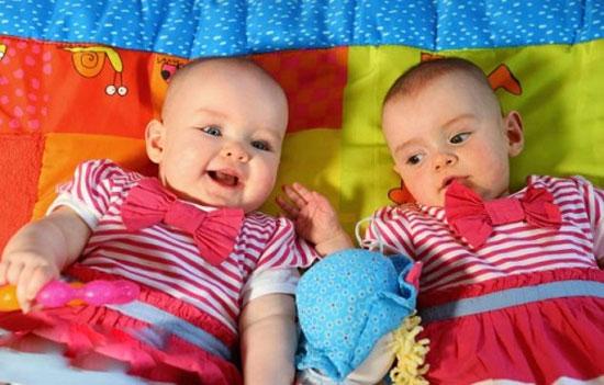 развитие речи у близнецов